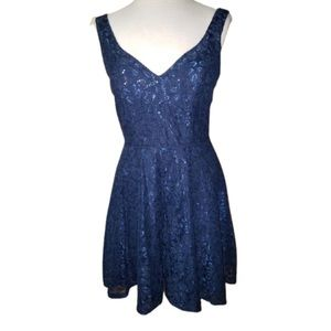 City Triangles Dress Sequined Sparkly Sz7 Blue
